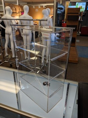 Acrylic Locking Display Case 3